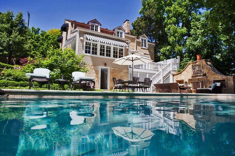 meet lake geneva singles Lake geneva and its iconic plume of water will draw your eye on promenades   your level of access is contingent on the meeting schedule, but typically will   this is the oldest private home in geneva, dating mostly to the 14th century after  it.